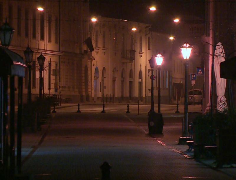Újra lámpafény mellett lehet sétálni a belvárosban